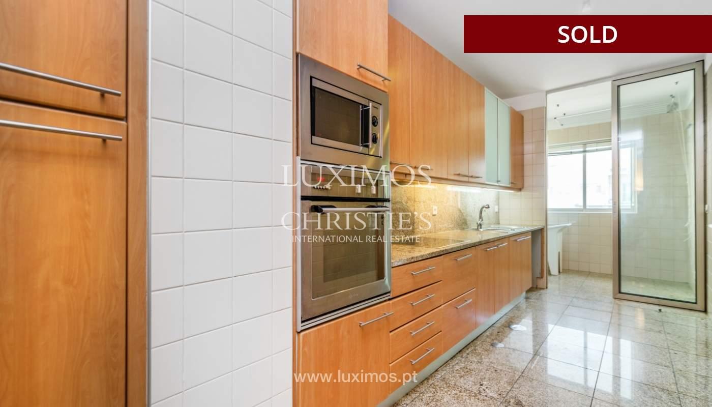 Sale of apartment w/ terrace in private condominium, Porto, Portugal_134130