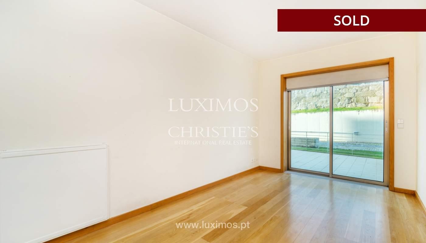 Sale of apartment w/ terrace in private condominium, Porto, Portugal_134132