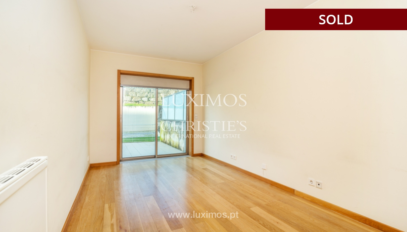Sale of apartment w/ terrace in private condominium, Porto, Portugal_134133