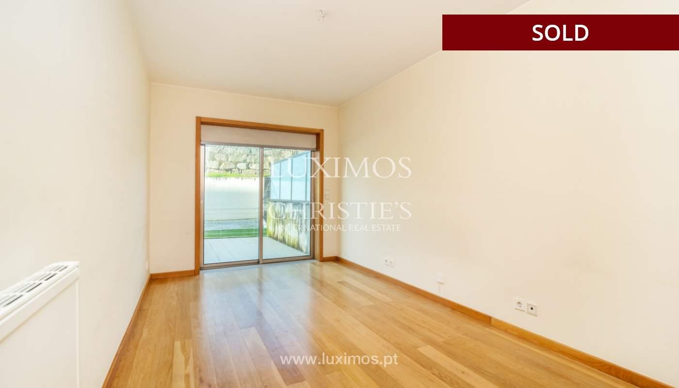 Sale of apartment w/ terrace in private condominium, Porto, Portugal_134133
