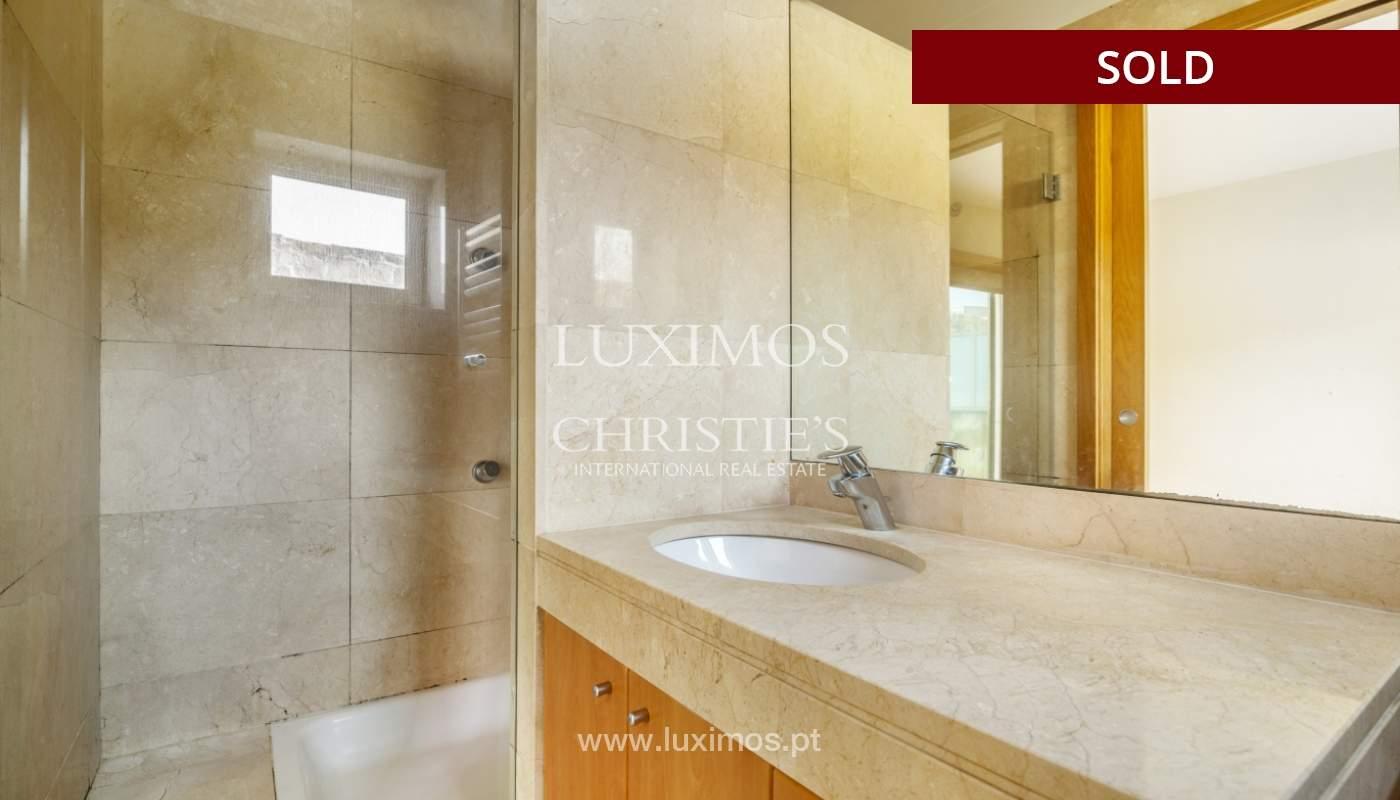 Sale of apartment w/ terrace in private condominium, Porto, Portugal_134135