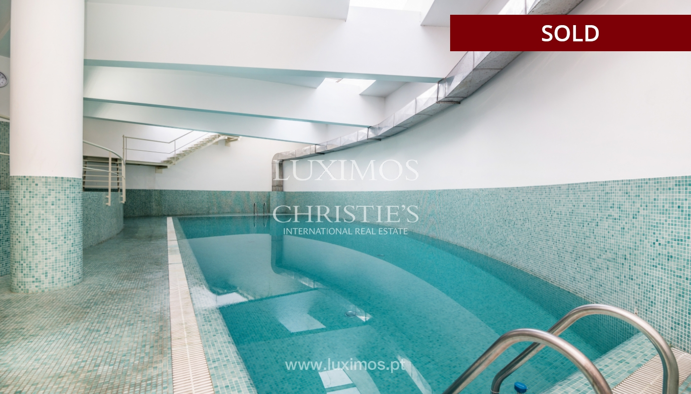 Sale of apartment w/ terrace in private condominium, Porto, Portugal_134140