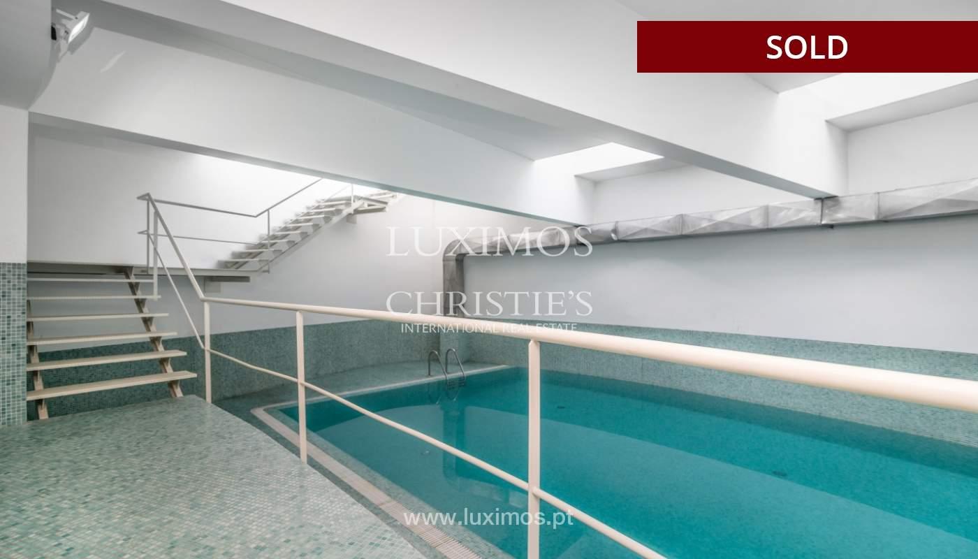 Sale of apartment w/ terrace in private condominium, Porto, Portugal_134141