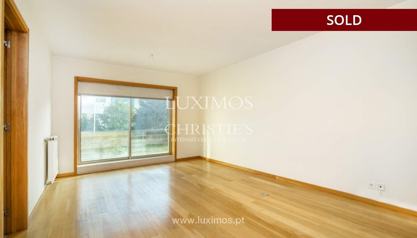 Sale of apartment w/ terrace in private condominium, Porto, Portugal_134144