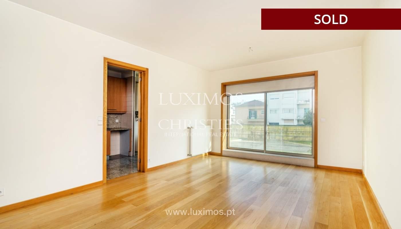 Sale of apartment w/ terrace in private condominium, Porto, Portugal_134145