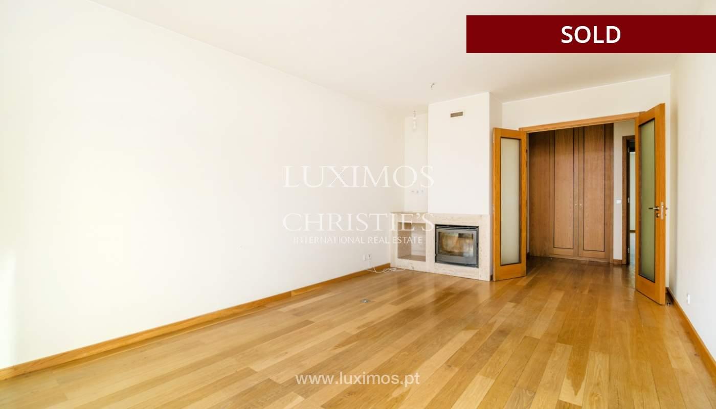 Sale of apartment w/ terrace in private condominium, Porto, Portugal_134146