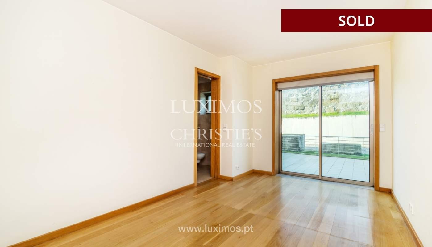 Sale of apartment w/ terrace in private condominium, Porto, Portugal_134147
