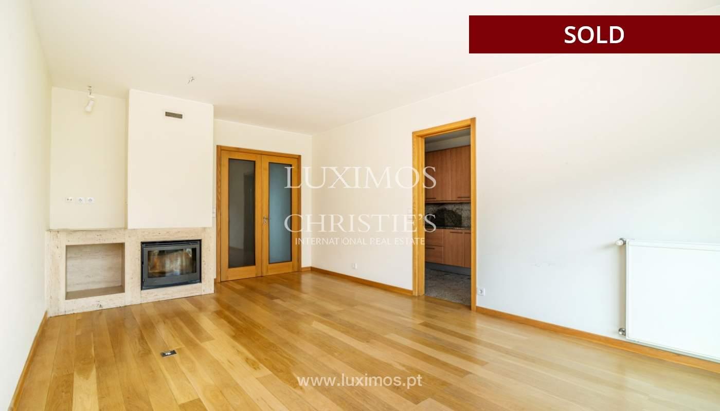 Sale of apartment w/ terrace in private condominium, Porto, Portugal_134150