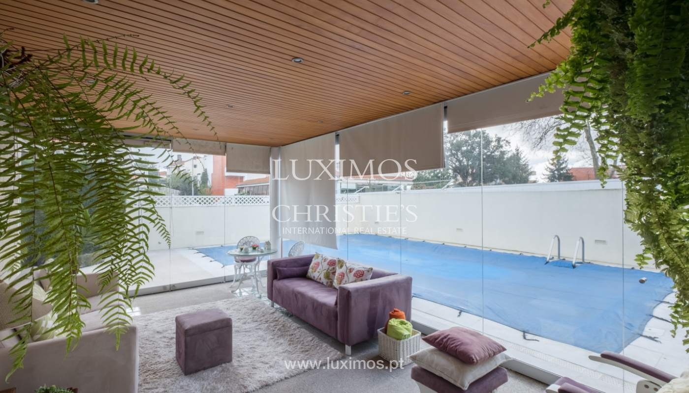 Sale of contemporary luxury house, w/ pool, V.N. Gaia, Portugal_134689