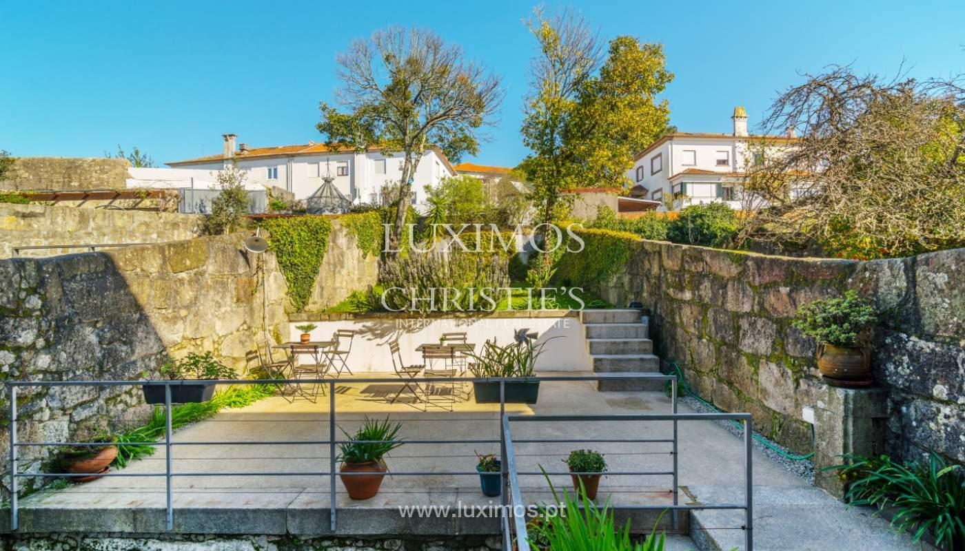 Una moderna y lujosa casa con jardín en Porto, Portugal_135038