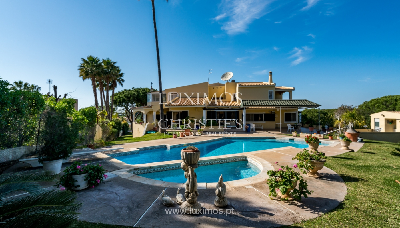 Sale of villa with pool in Vilamoura, Algarve, Portugal_135143