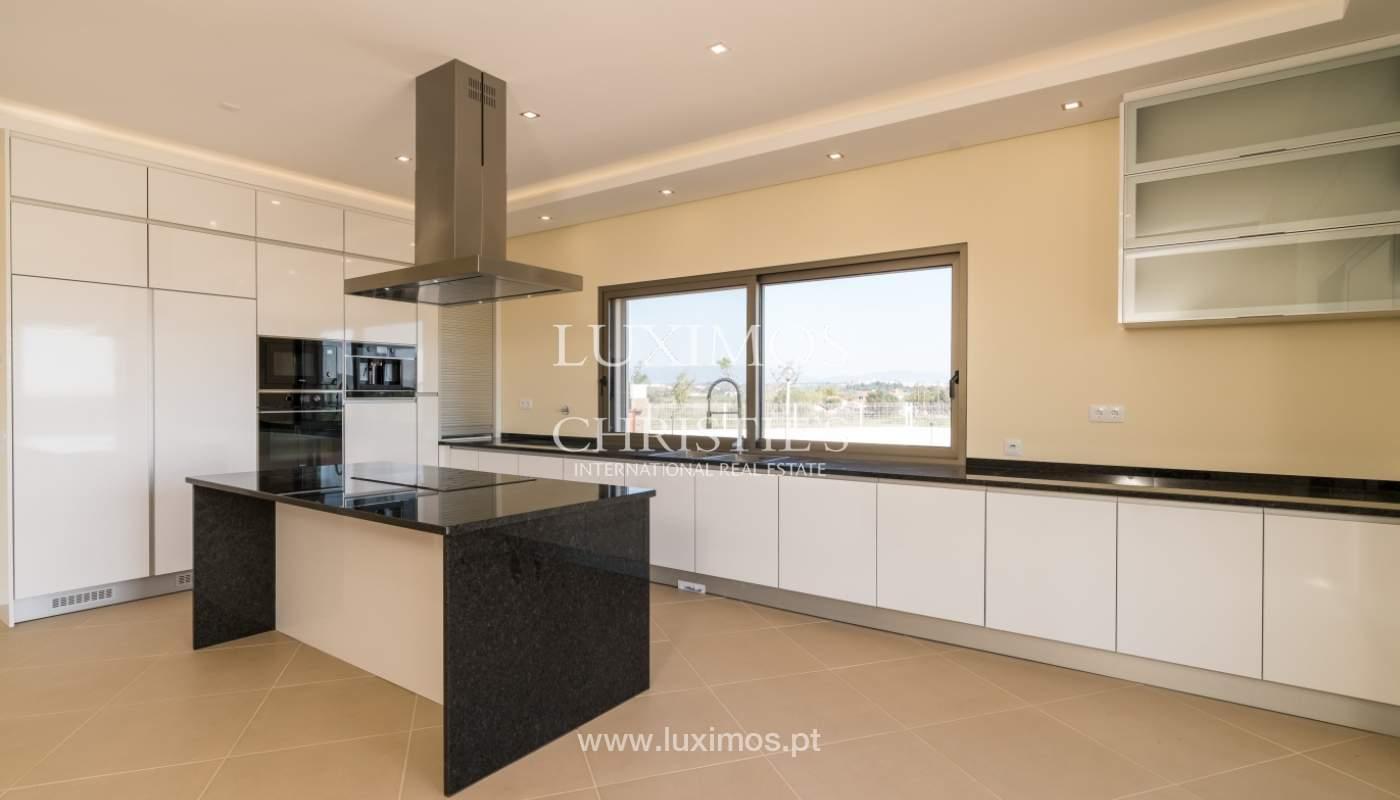 Neue Villa mit Pool zu verkaufen in Odiáxere, Lagos, Algarve, Portugal_135192