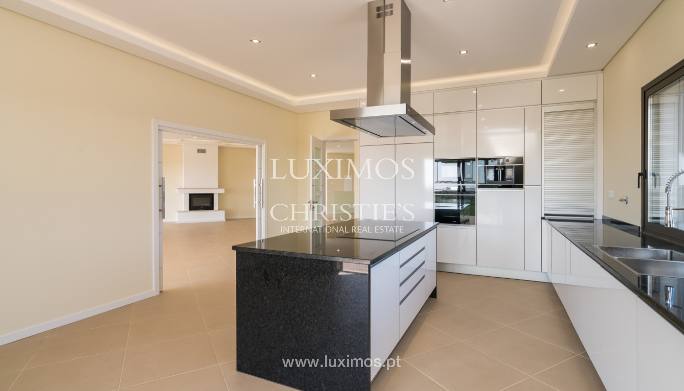 Neue Villa mit Pool zu verkaufen in Odiáxere, Lagos, Algarve, Portugal_135193