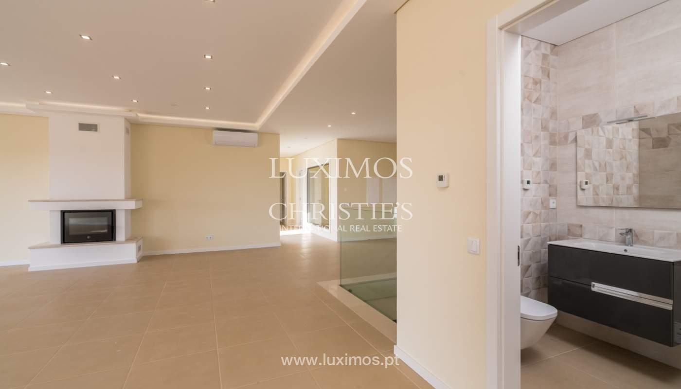 Neue Villa mit Pool zu verkaufen in Odiáxere, Lagos, Algarve, Portugal_135195