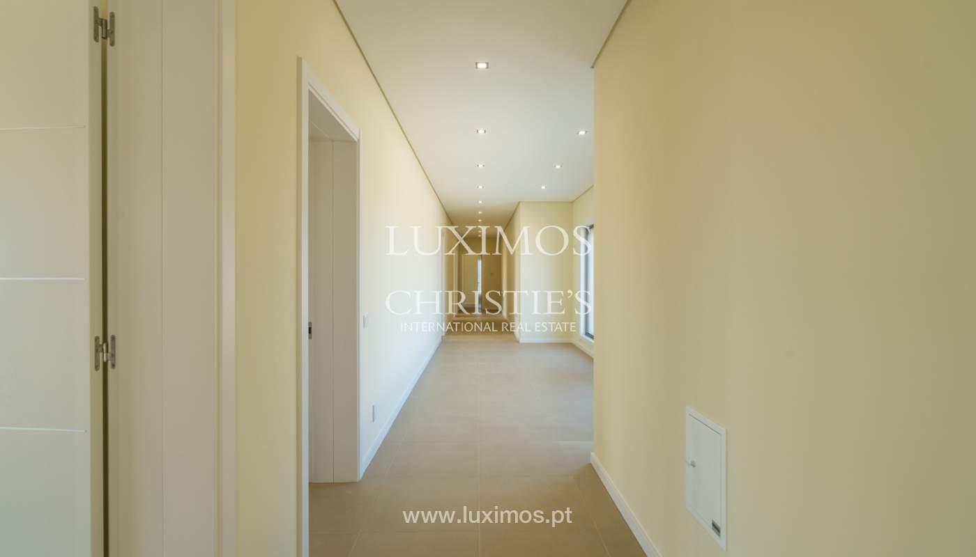 Neue Villa mit Pool zu verkaufen in Odiáxere, Lagos, Algarve, Portugal_135197