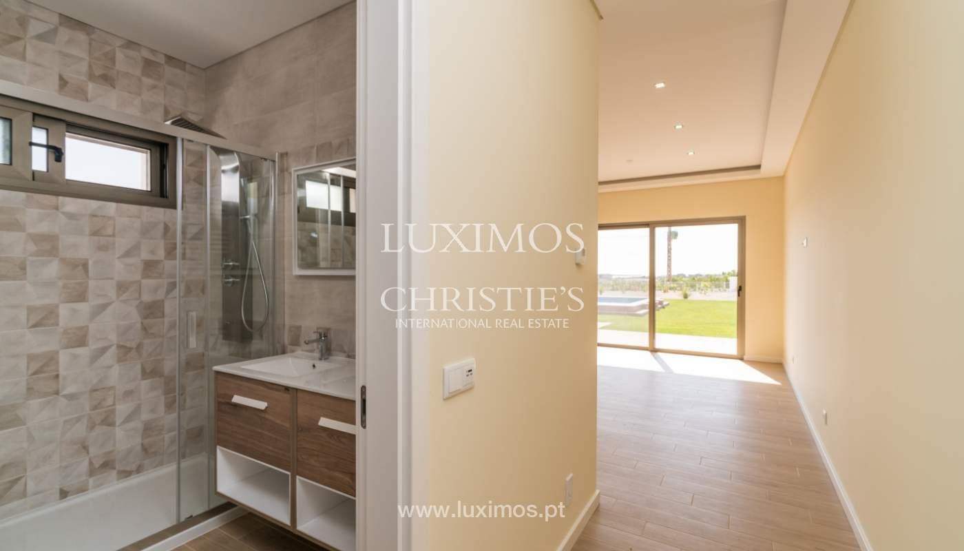 Neue Villa mit Pool zu verkaufen in Odiáxere, Lagos, Algarve, Portugal_135198
