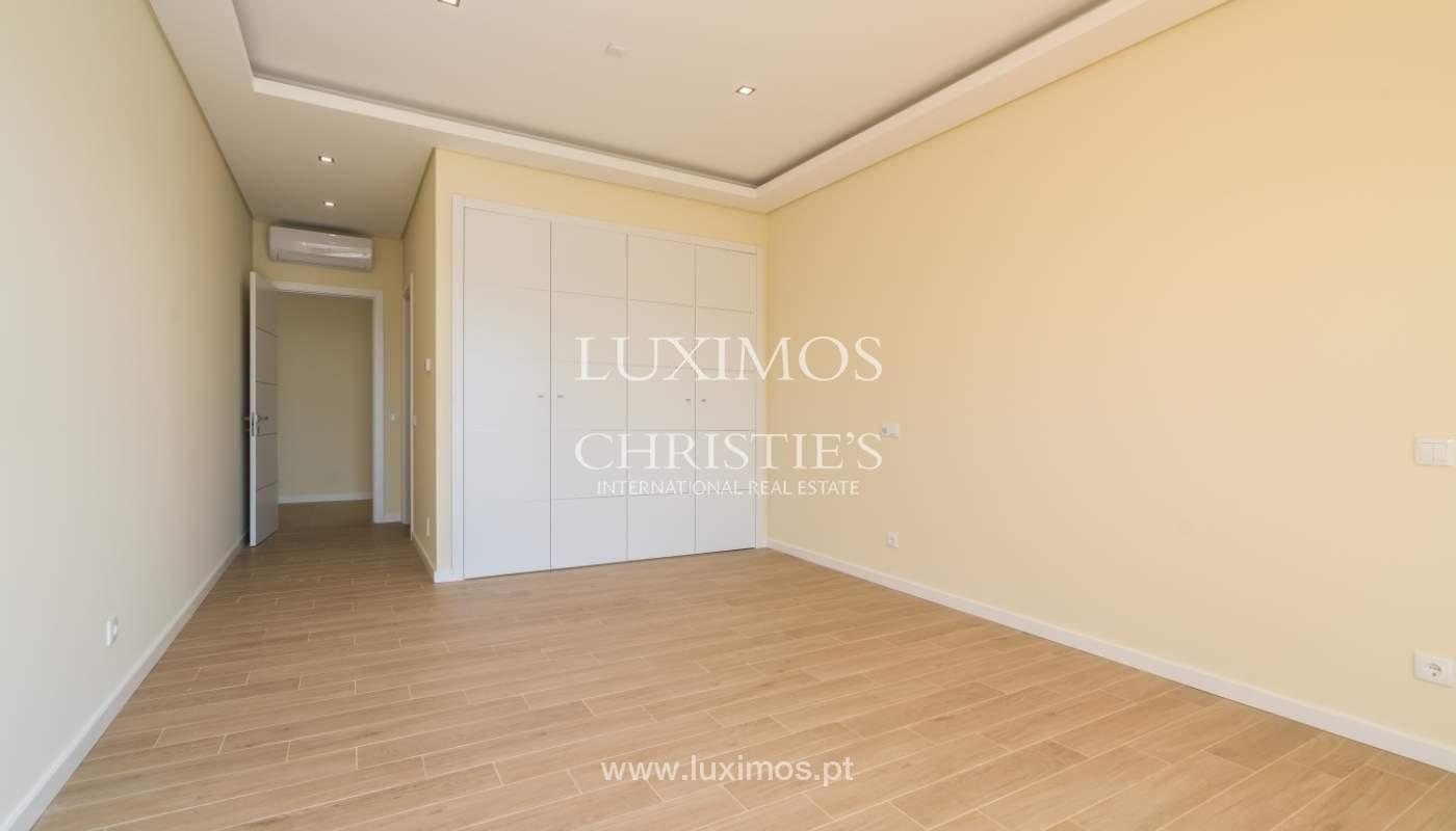 Neue Villa mit Pool zu verkaufen in Odiáxere, Lagos, Algarve, Portugal_135200