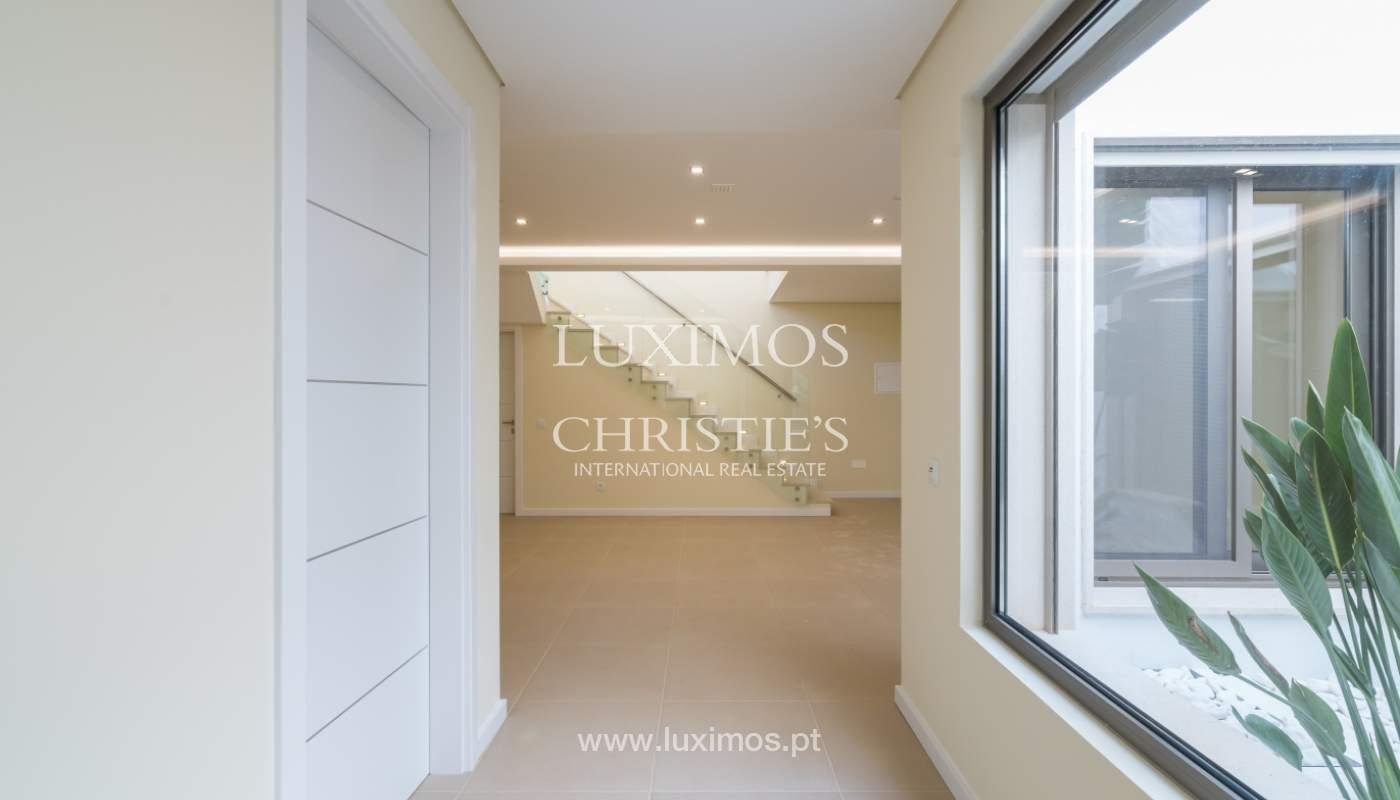 Neue Villa mit Pool zu verkaufen in Odiáxere, Lagos, Algarve, Portugal_135217