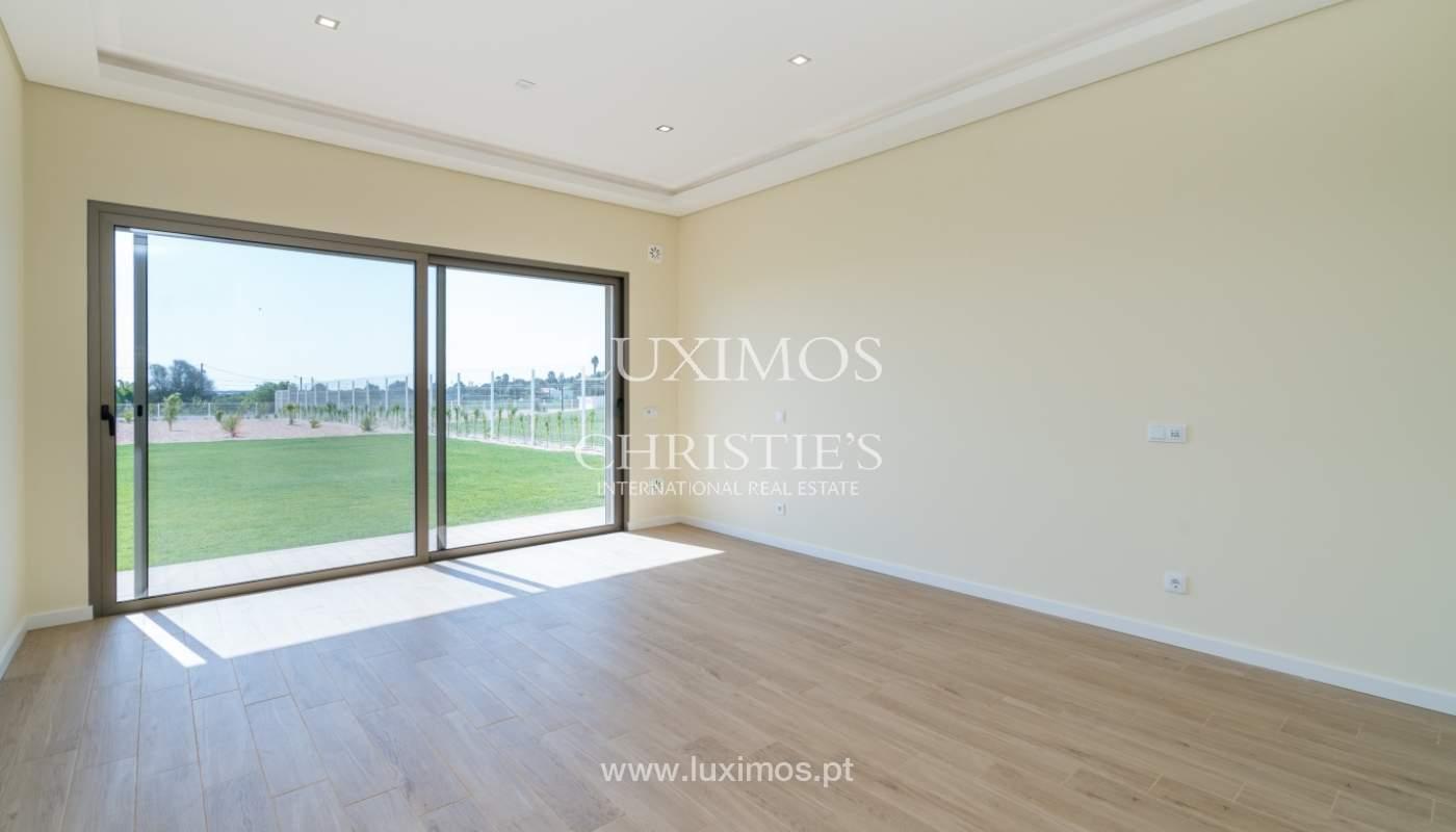 Neue Villa mit Pool zu verkaufen in Odiáxere, Lagos, Algarve, Portugal_135218