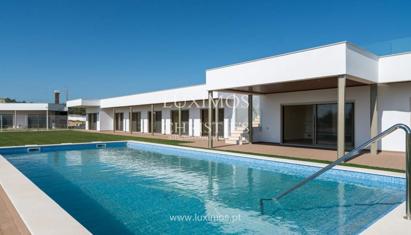 Neue Villa mit Pool zu verkaufen in Odiáxere, Lagos, Algarve, Portugal_135229