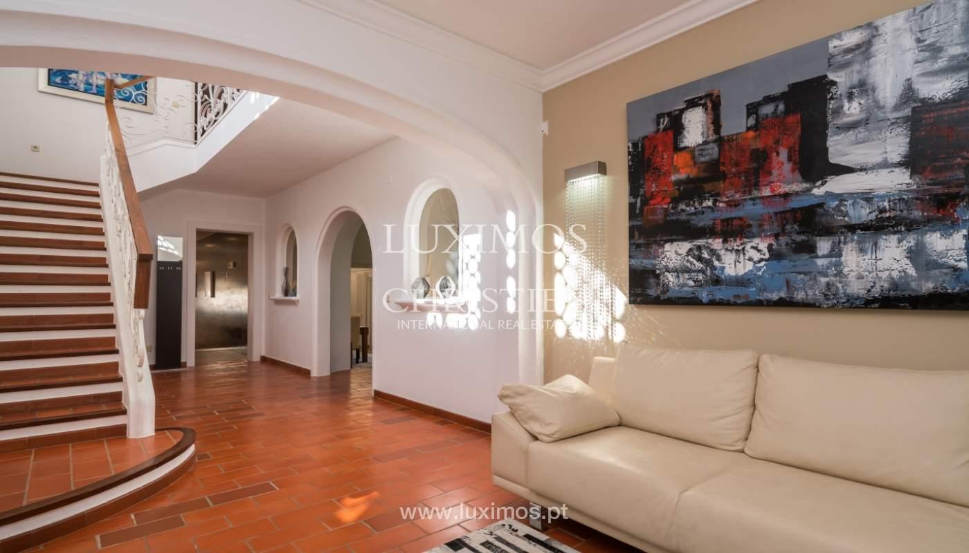 Villa avec piscine, front golf à vendre à Vilamoura, Algarve, Portugal_135536