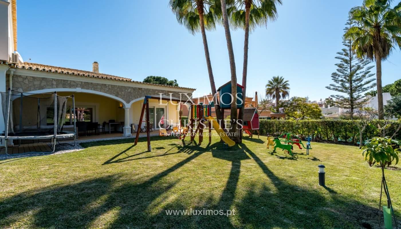 Venda de moradia com piscina frente golfe em Vilamoura, Algarve_135604