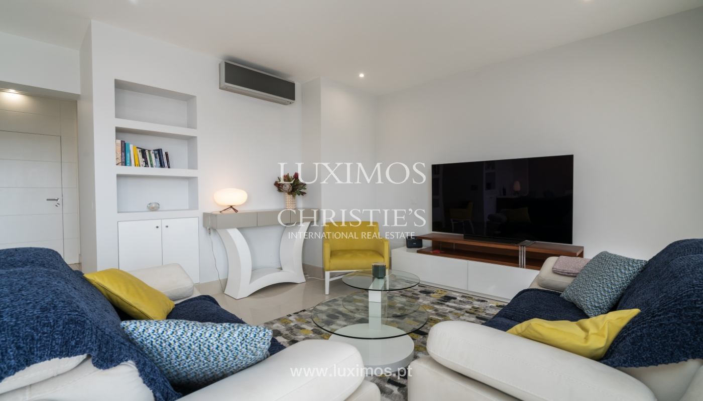 Sale of penthouse with sea view in Vilamoura, Algarve, Portugal_135702