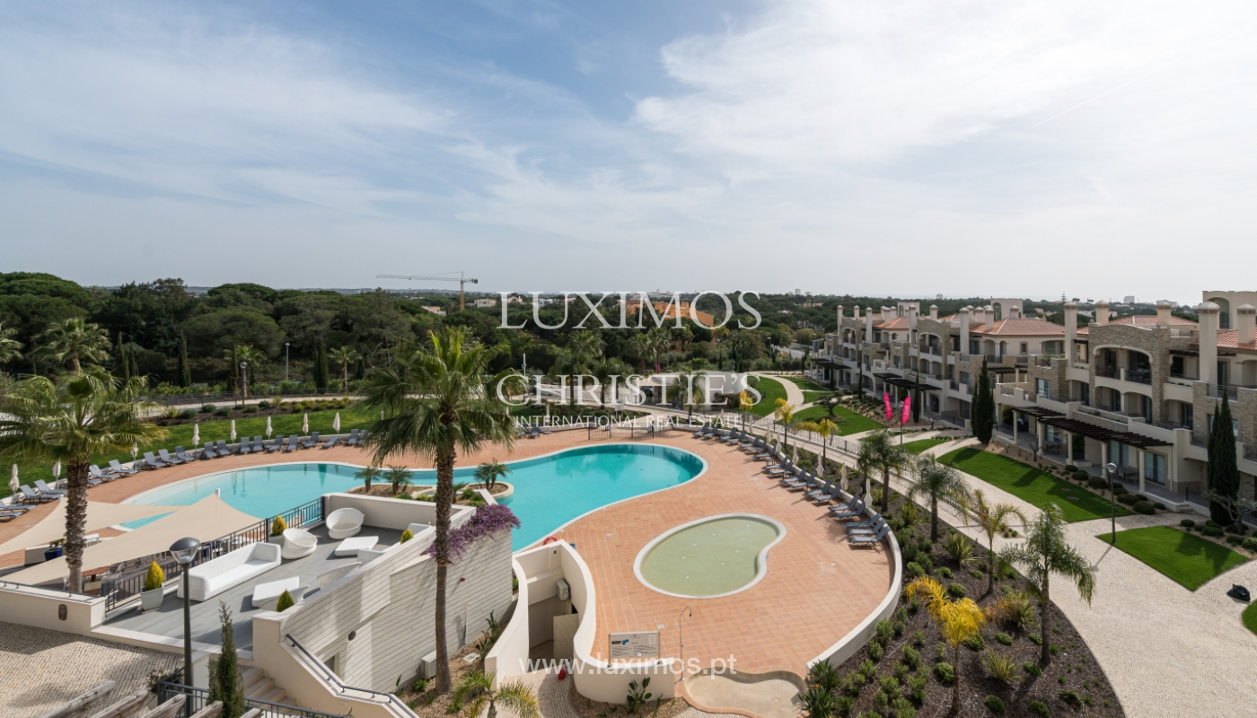 Sale of penthouse with sea view in Vilamoura, Algarve, Portugal_135708