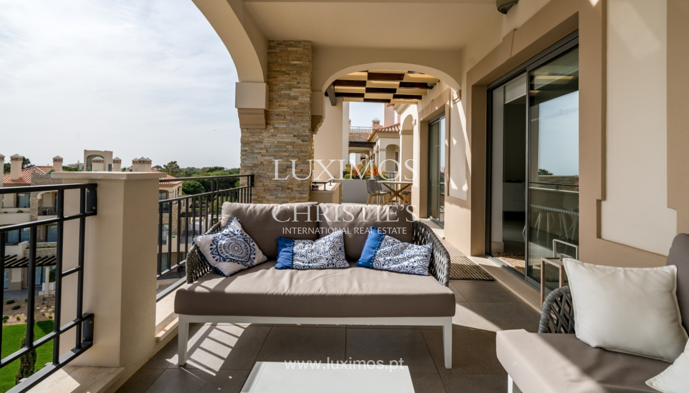 Sale of penthouse with sea view in Vilamoura, Algarve, Portugal_135714
