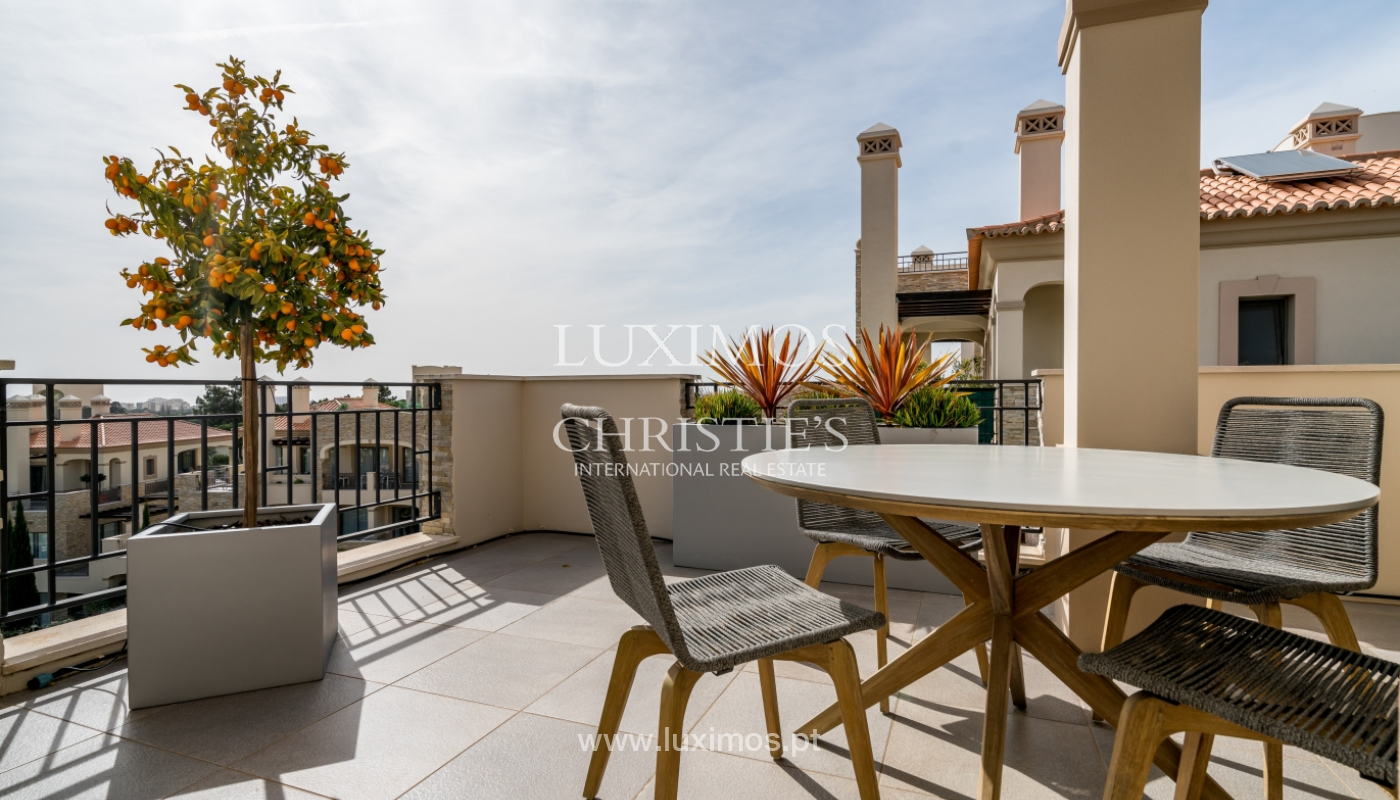 Sale of penthouse with sea view in Vilamoura, Algarve, Portugal_135715