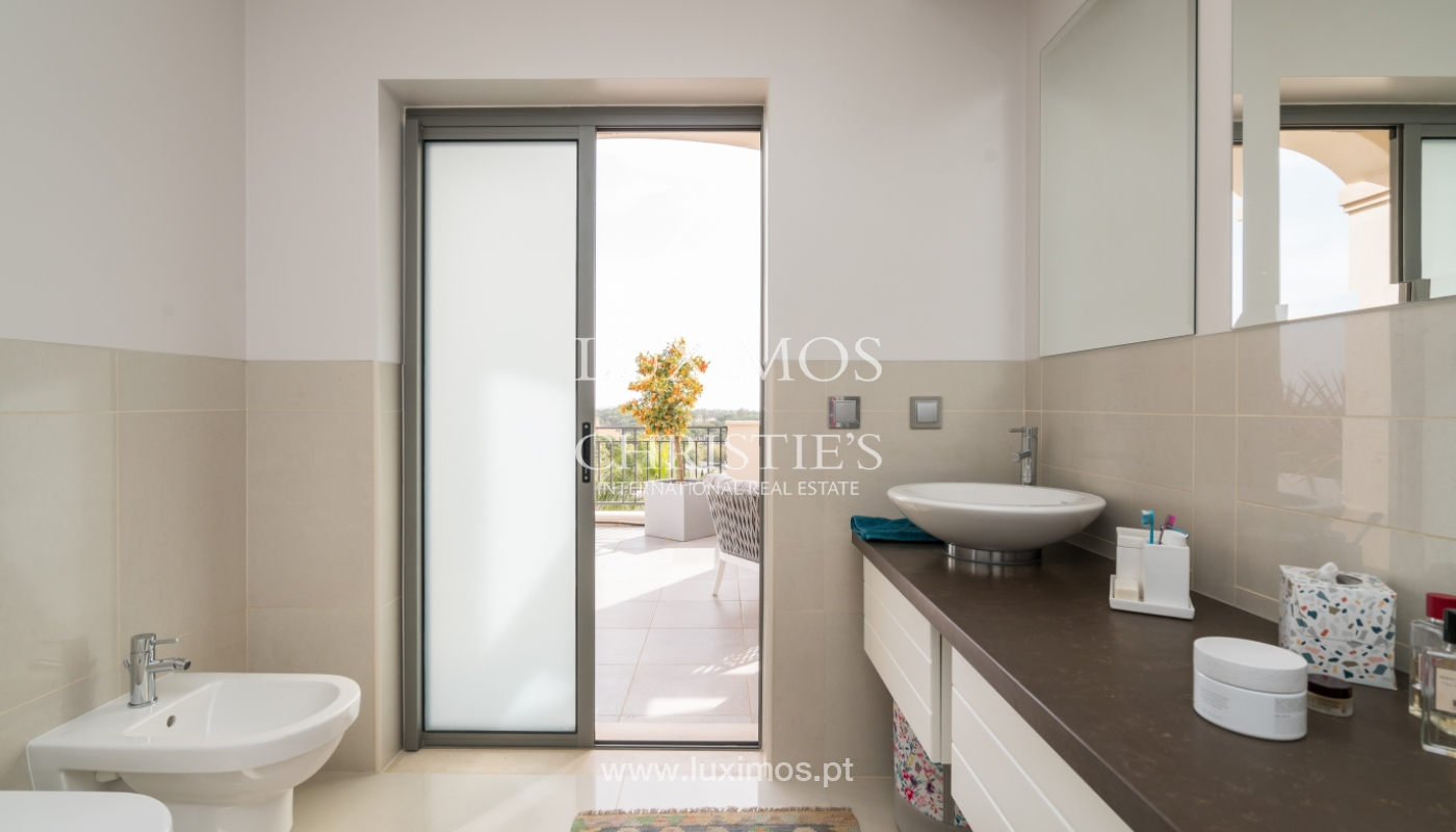 Sale of penthouse with sea view in Vilamoura, Algarve, Portugal_135721