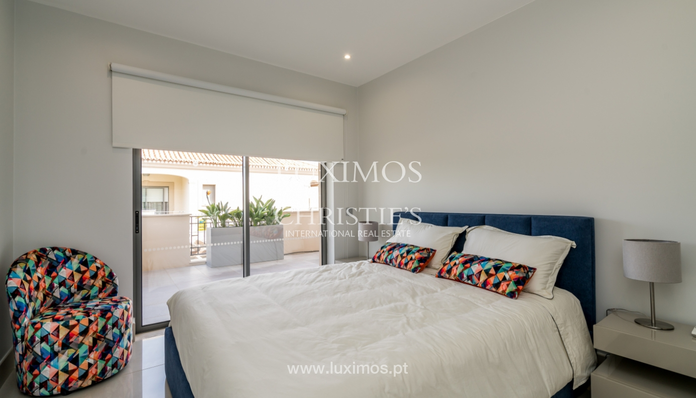 Sale of penthouse with sea view in Vilamoura, Algarve, Portugal_135723