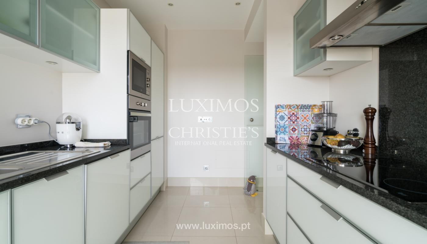 Sale of penthouse with sea view in Vilamoura, Algarve, Portugal_135736