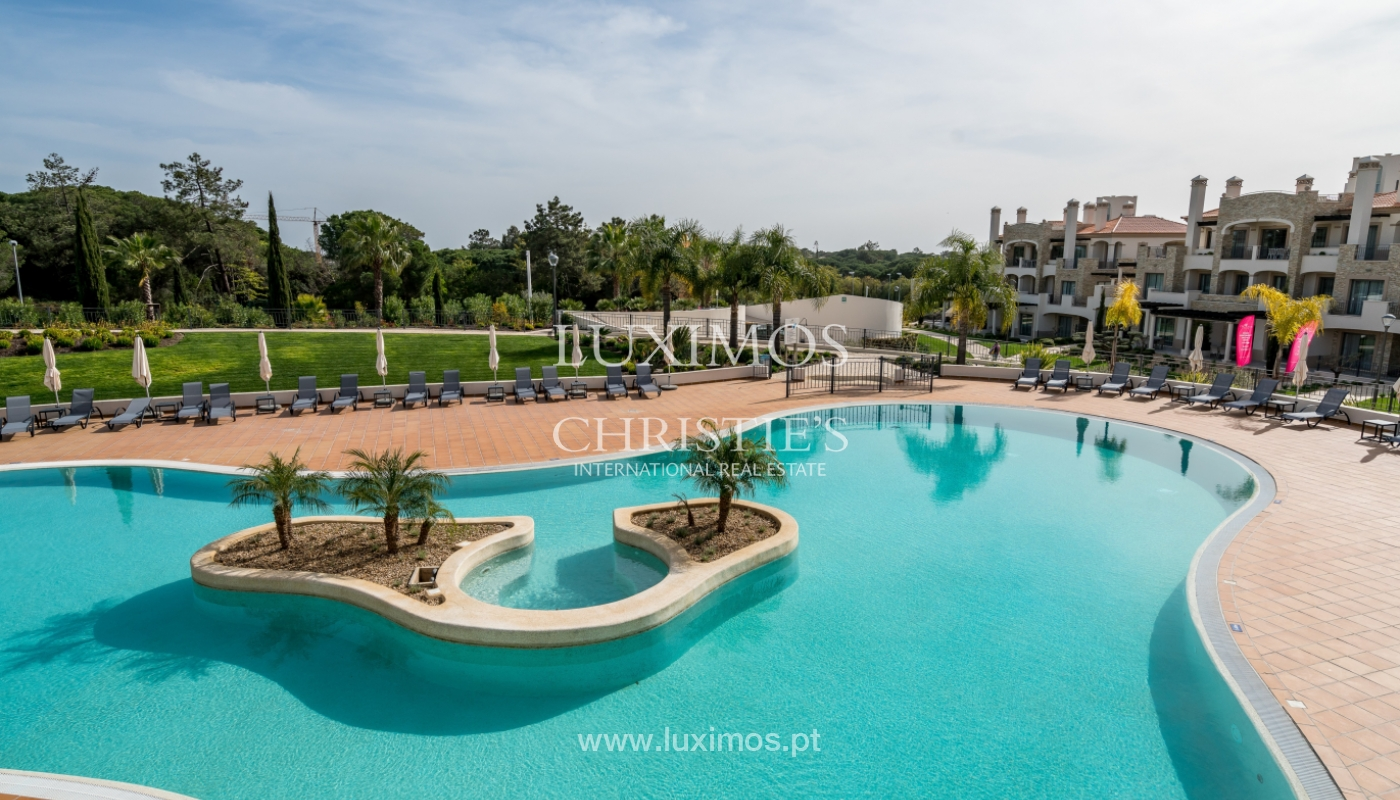 Sale of penthouse with sea view in Vilamoura, Algarve, Portugal_135742