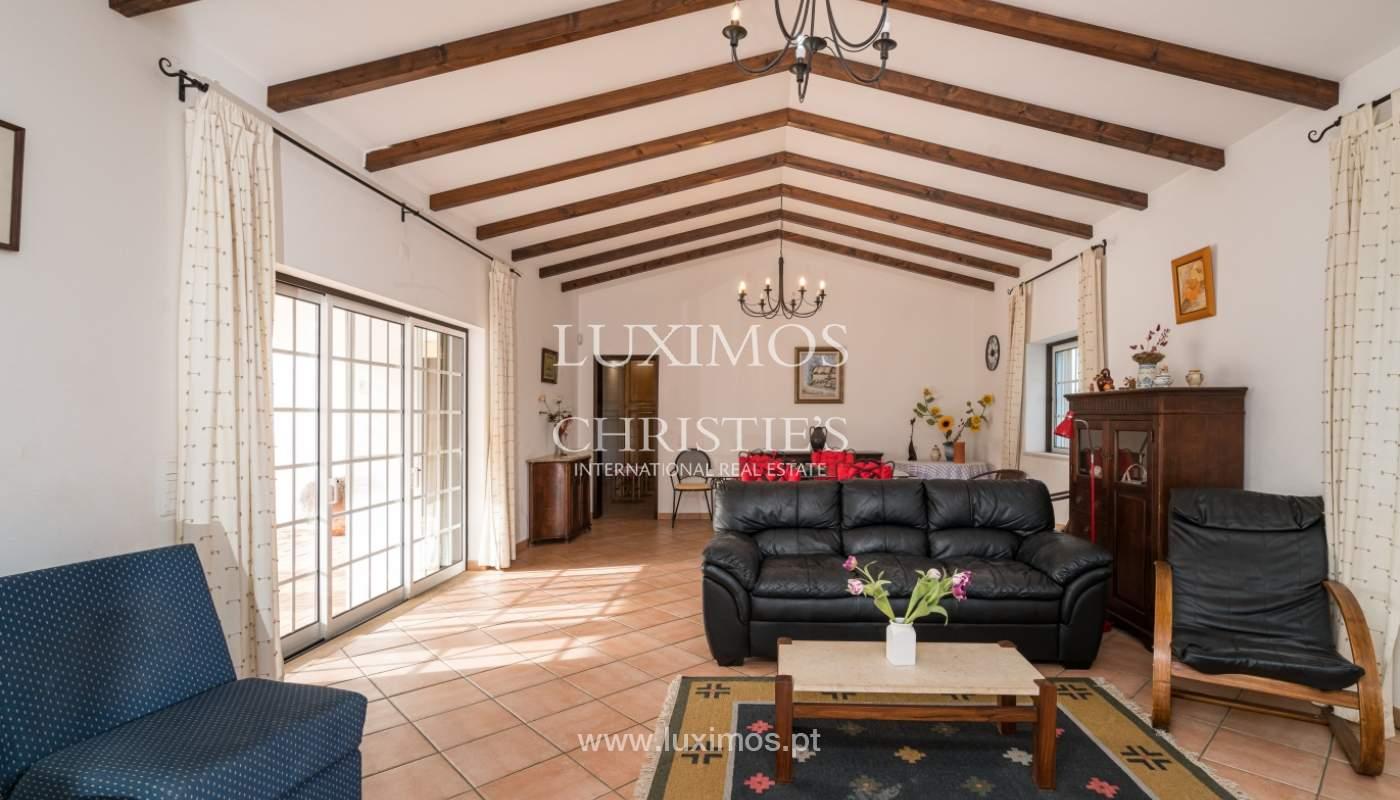Venda de moradia com piscina e jardim em Portimão, Algarve_135764