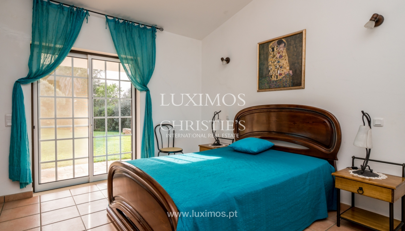 Sale of villa with pool and garden near Alvor, Algarve, Portugal_135774