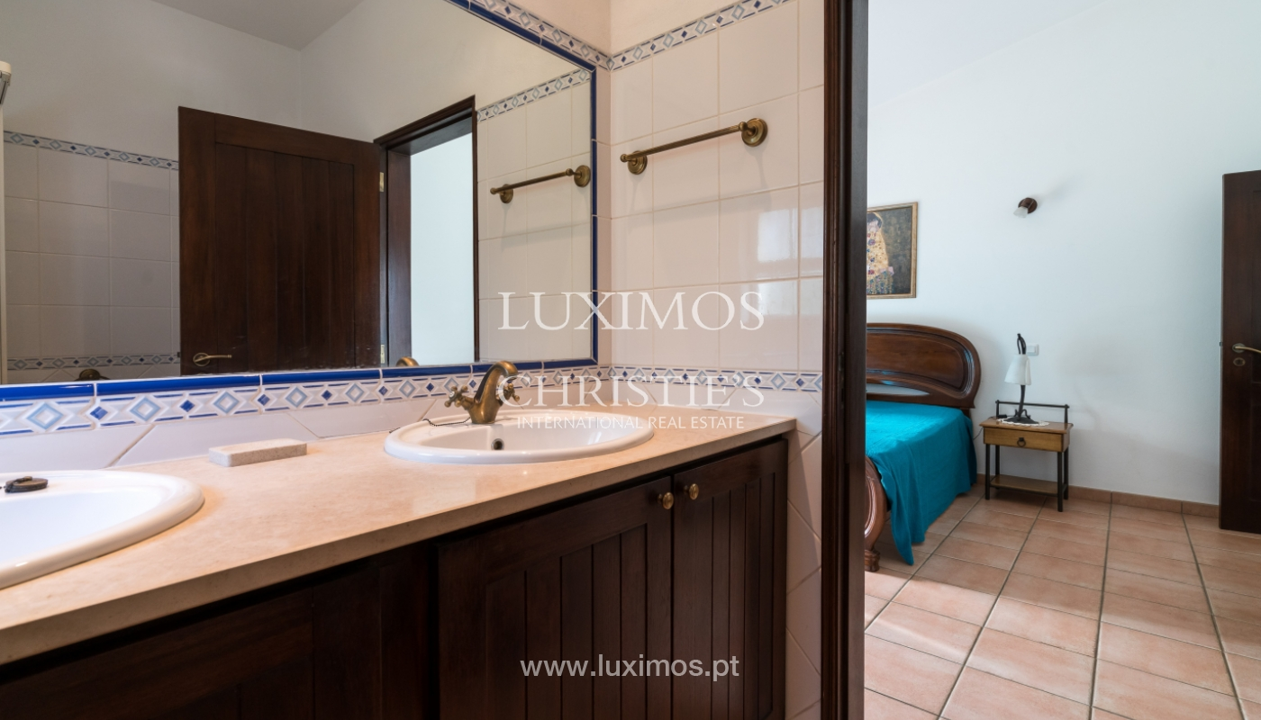 Sale of villa with pool and garden near Alvor, Algarve, Portugal_135779