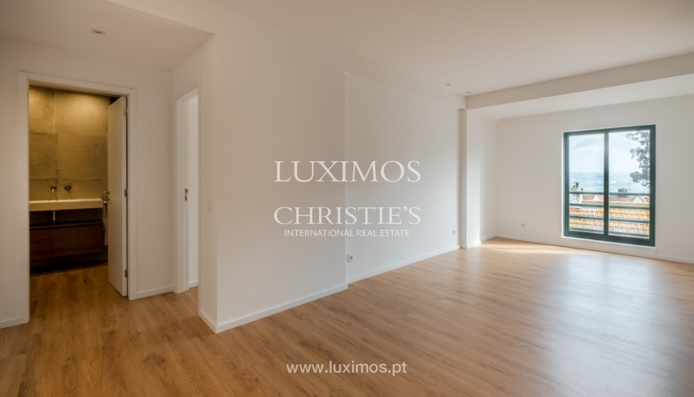 Refurbished apartment, for sale, in Porto, Portugal_135903