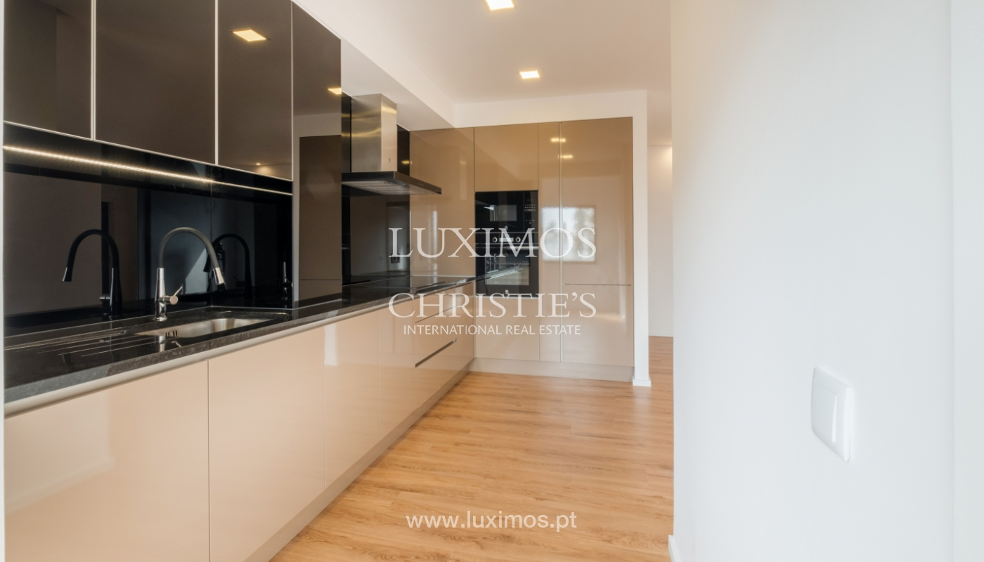 Refurbished apartment, for sale, in Porto, Portugal_135911