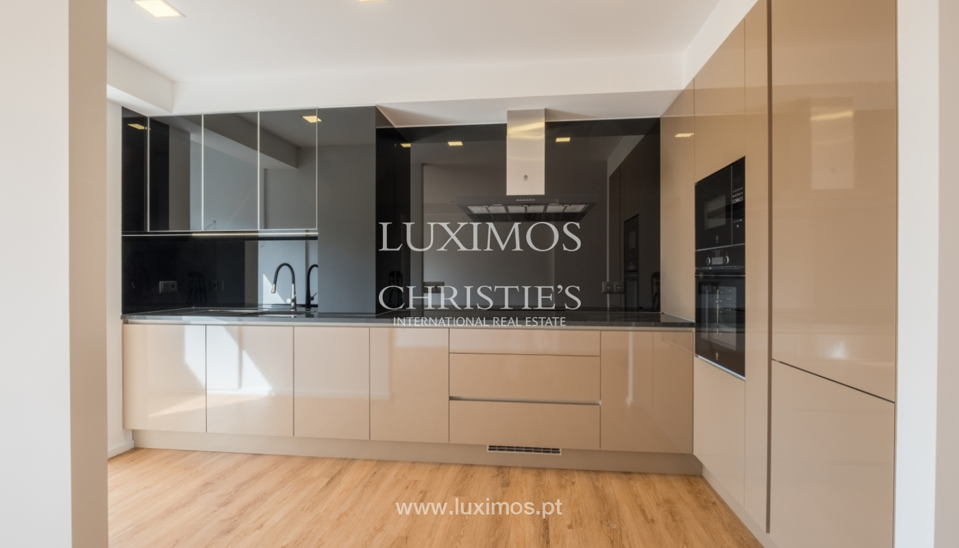 Refurbished apartment, for sale, in Porto, Portugal_135912