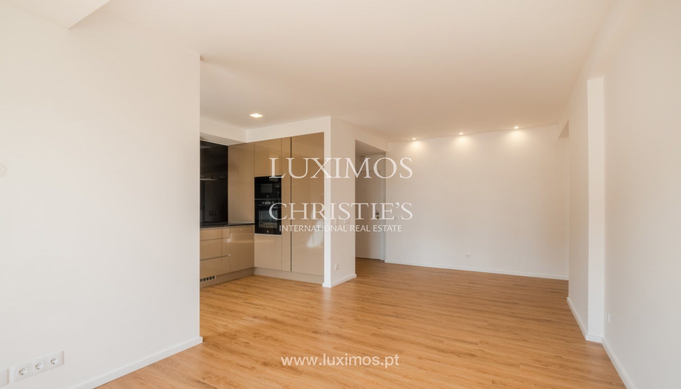 Refurbished apartment, for sale, in Porto, Portugal_135915