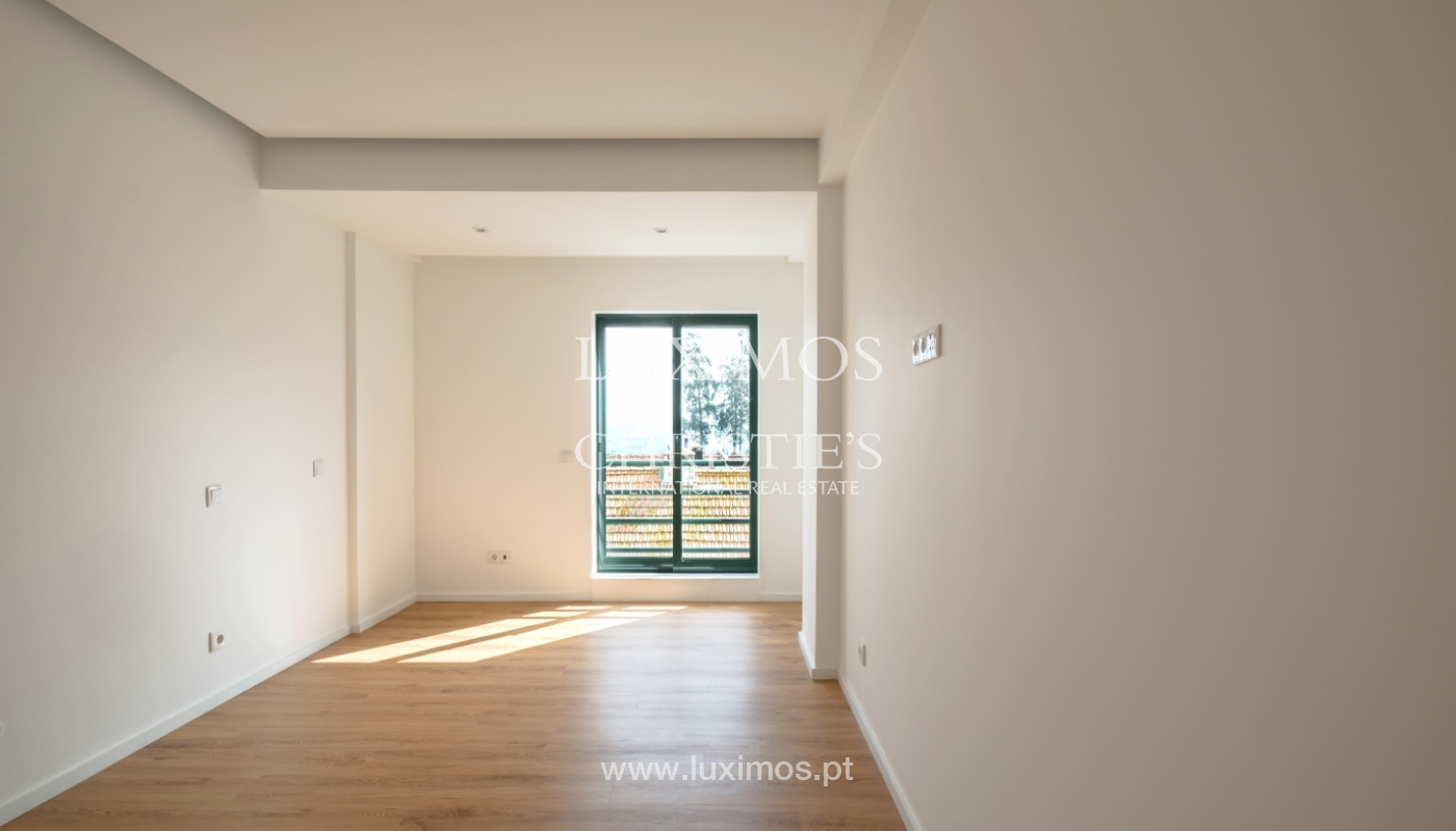 Refurbished apartment, for sale, in Porto, Portugal_135917