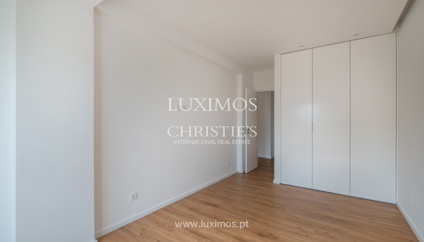 Refurbished apartment, for sale, in Porto, Portugal_135918