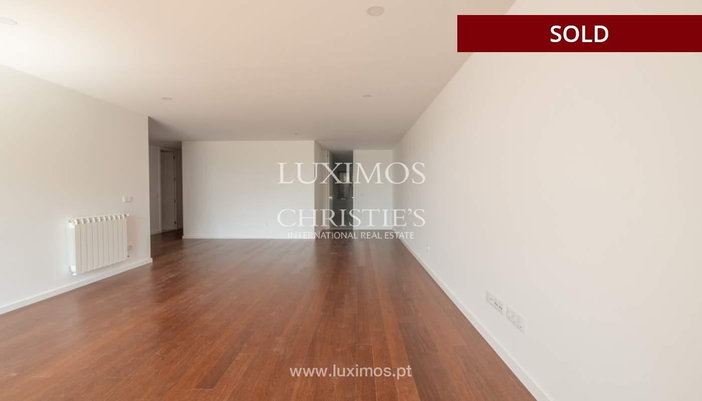 Apartment for sale, near the city park and the beach, Matosinhos, Portugal_135928