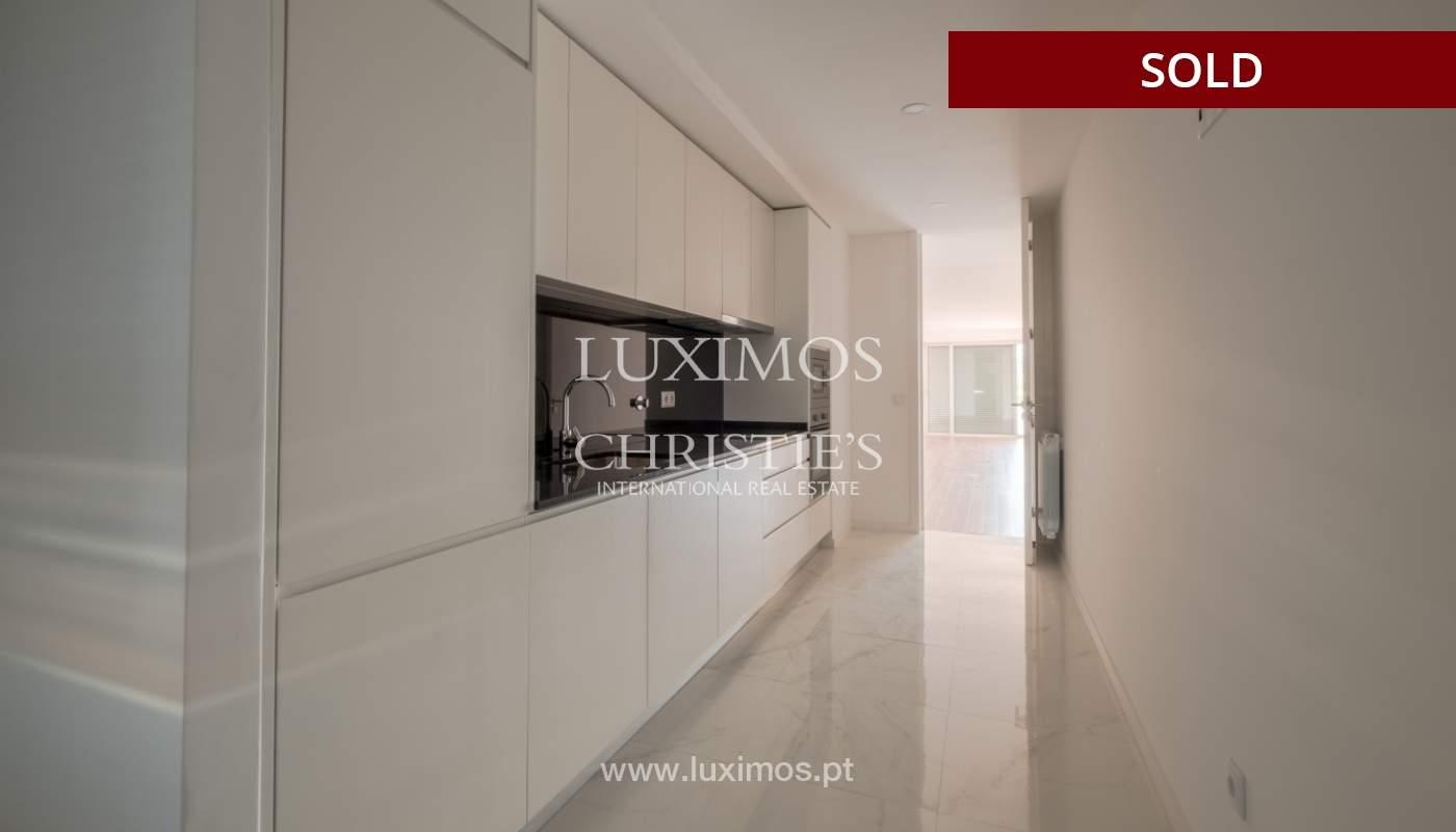 Apartment for sale, near the city park and the beach, Matosinhos, Portugal_135930
