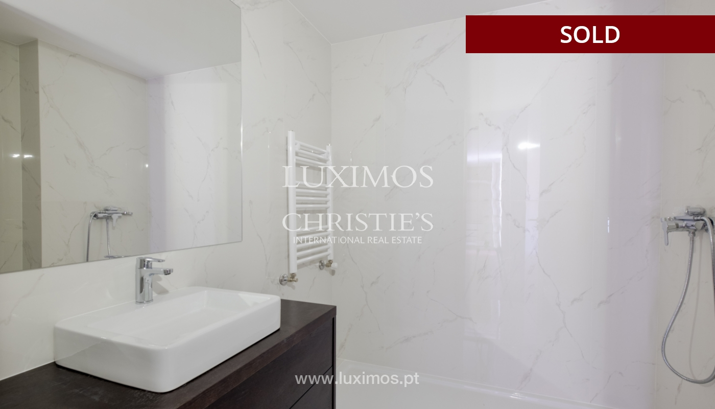 Apartment for sale, near the city park and the beach, Matosinhos, Portugal_135931