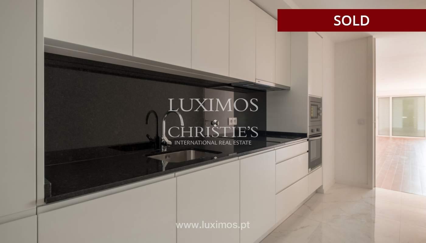 Apartment for sale, near the city park and the beach, Matosinhos, Portugal_135935