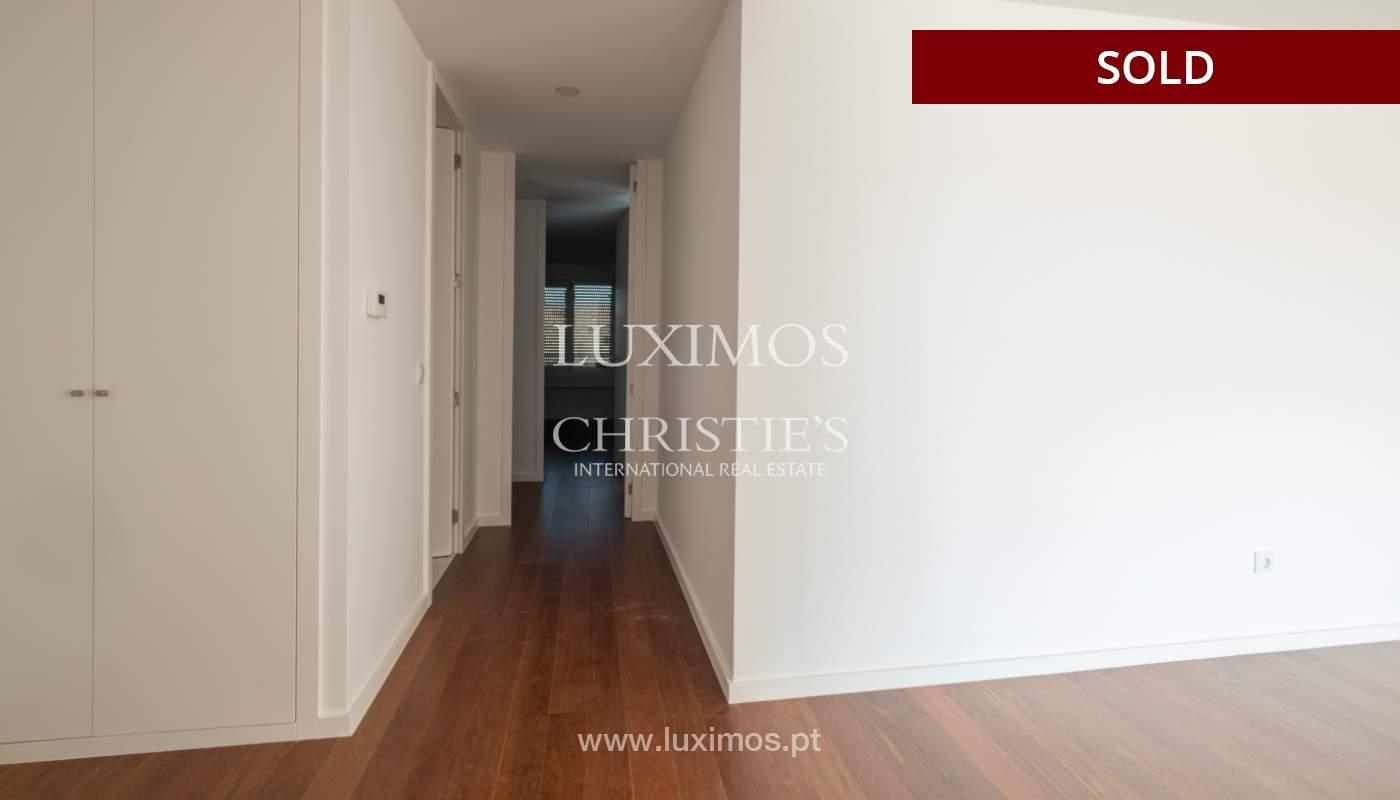 Apartment for sale, near the city park and the beach, Matosinhos, Portugal_135937