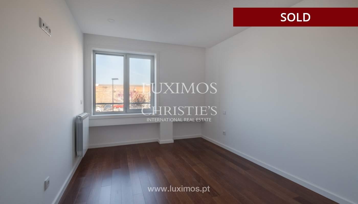 Apartment for sale, near the city park and the beach, Matosinhos, Portugal_135946
