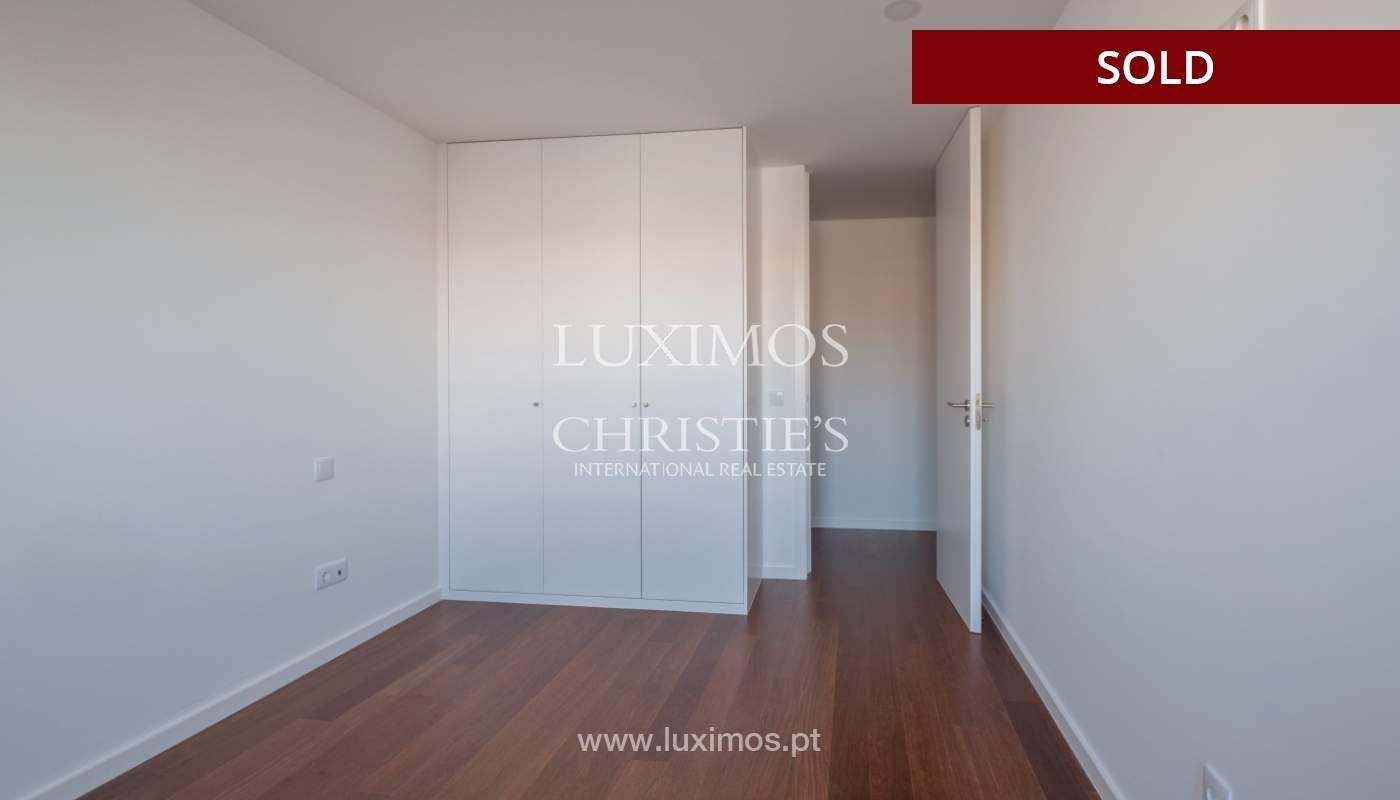 Apartment for sale, near the city park and the beach, Matosinhos, Portugal_135948